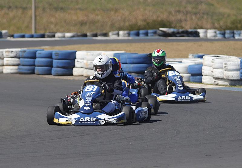 Pirão (81) é um dos pilotos da Graduados A da Copa Raceman