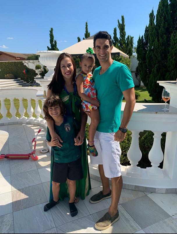 Pituco Sacilotto com a esposa Marianne e os filhos Mássimo e Fiorella
