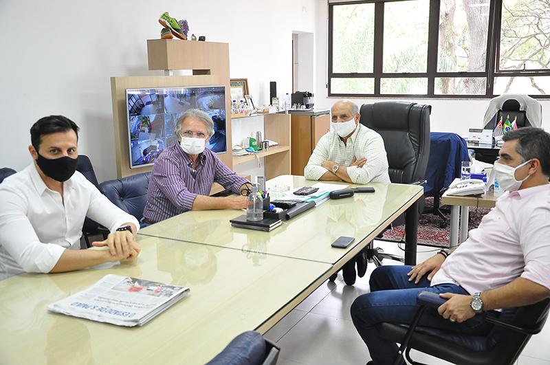 Roger, Macris, Omar e Gleberson, esta semana, no gabinete