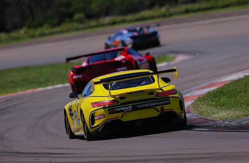 Mercedes da equipe de André Jr. apresentou problema de motor