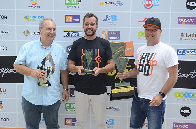 Edson Contatto, Théo Trevisani e Marcelo Marusso na solenidade de premiação