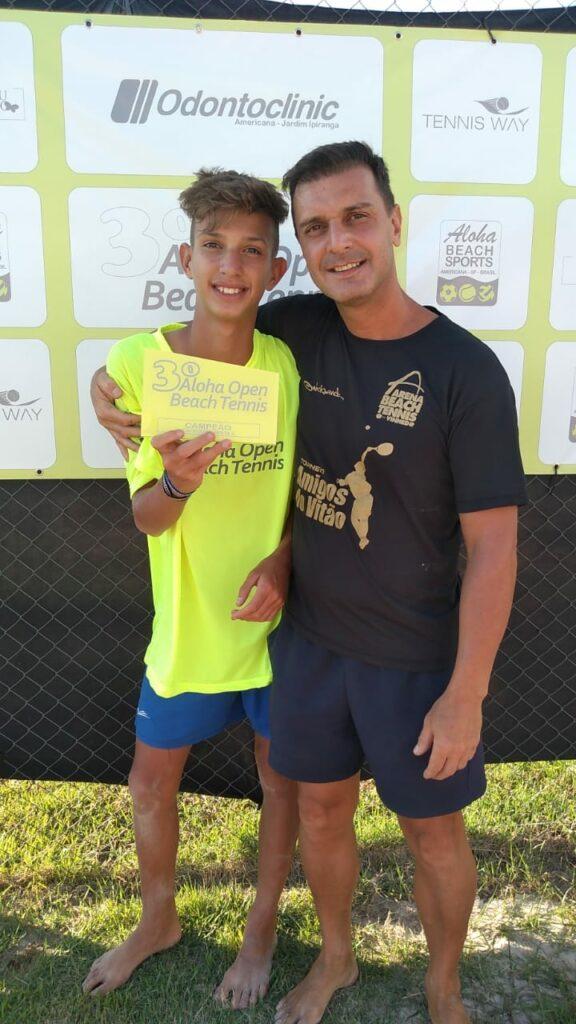 Caio e seu pai Jean foram campeões do Open