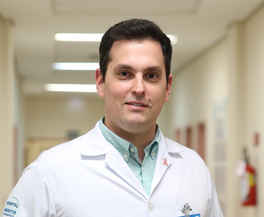 O médico Idam Jr. é mastologista do Hospital de Amor de Barretos (Foto: Divulgação)