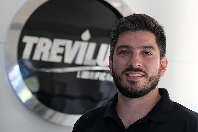 Bruno Trevizan destaca dedicação e comprometimento do nadador
