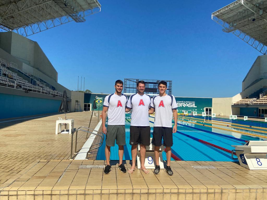 Murilo, Cremonez e Vitor no Maria Lenk, no Rio (Divulgação)