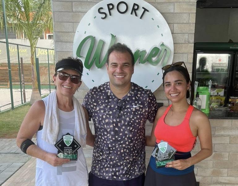 Maria Luiza, Ricardo Candido e Tássia na premiação